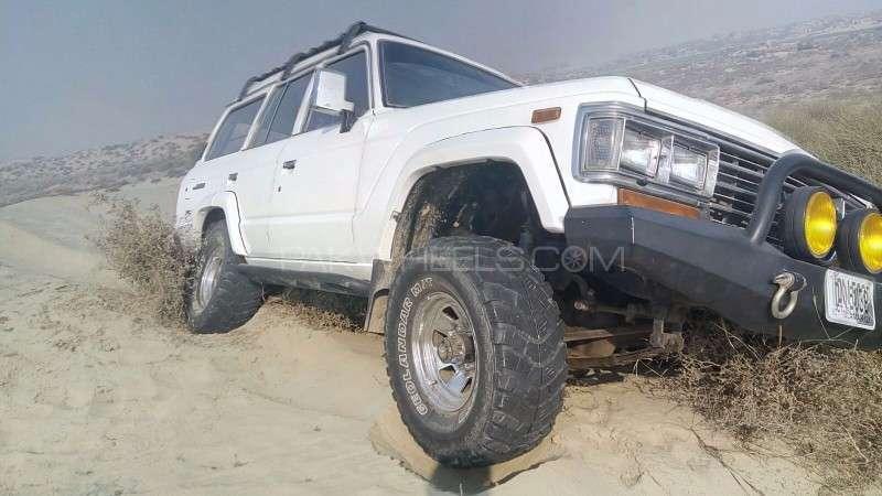 Toyota Land Cruiser - 1990  Image-1