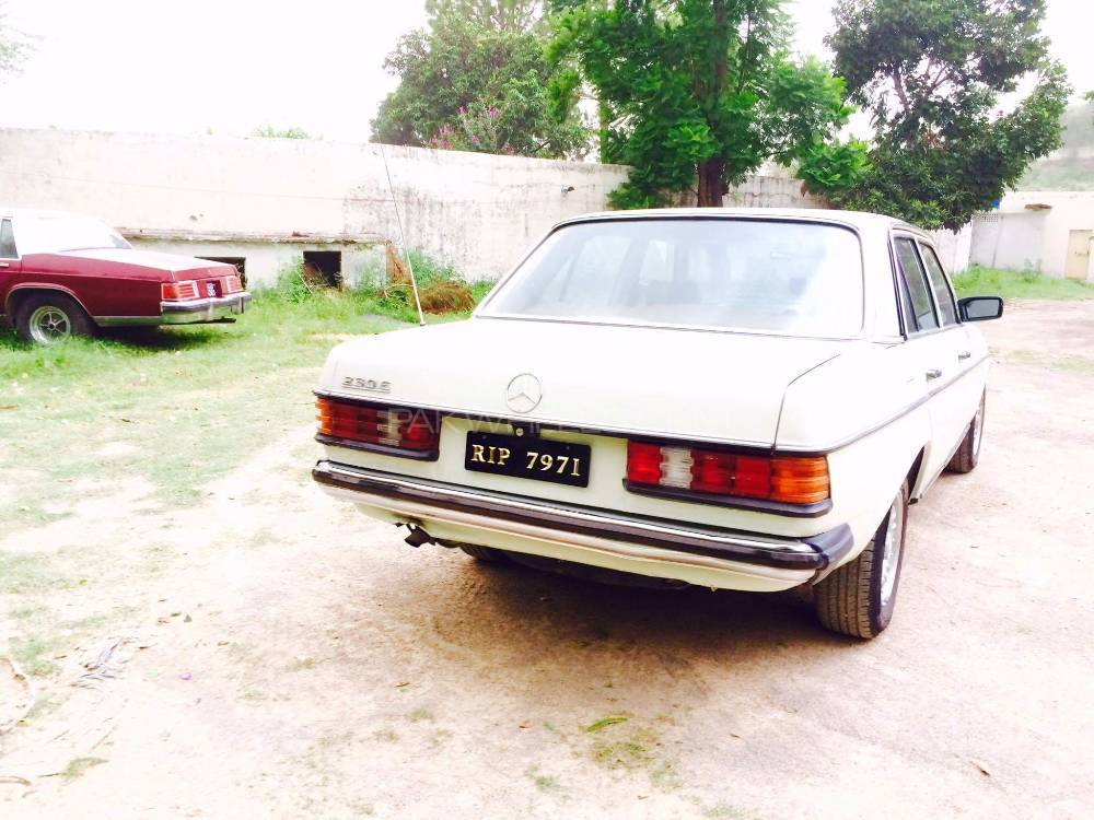 Mercedes Benz 240 Gd - 1983  Image-1