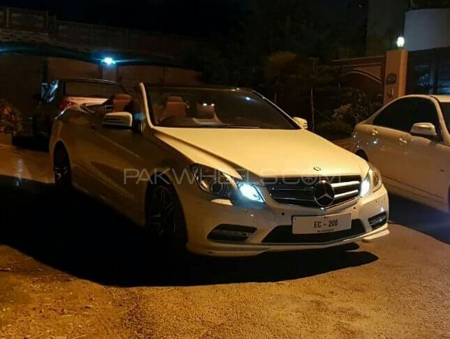 Mercedes Benz E Class - 2012  Image-1
