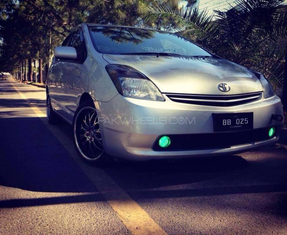 Toyota Prius - 2010  Image-1