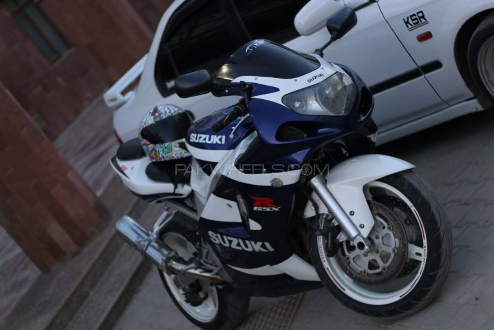 Suzuki GSX-R600 - 2004  Image-1