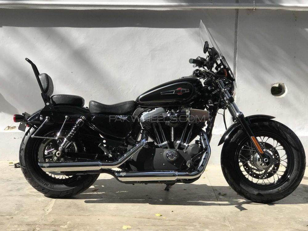 Harley Davidson 1200 Custom - 2013  Image-1