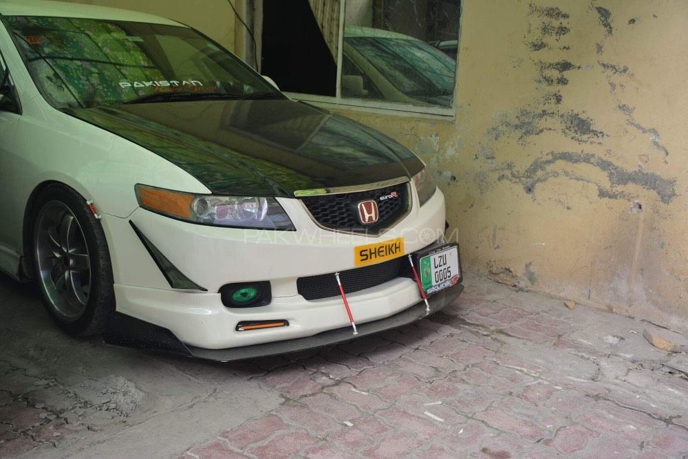 Honda Accord - 2004  Image-1