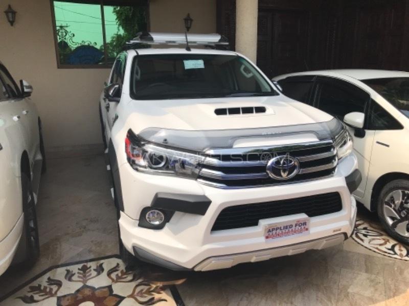 Toyota Hilux - 2017  Image-1