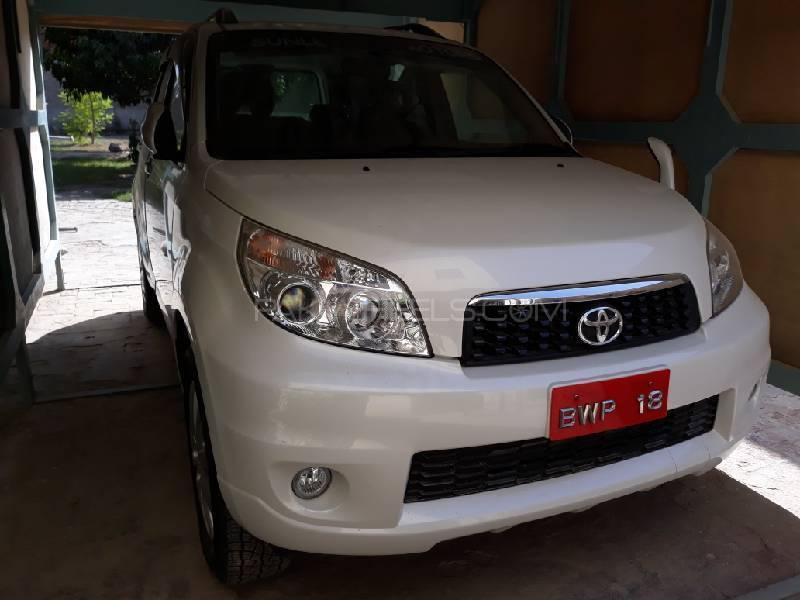 Toyota Rush - 2012 Thunder  Image-1