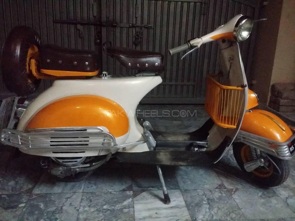 Vespa 150cc - 1962  Image-1