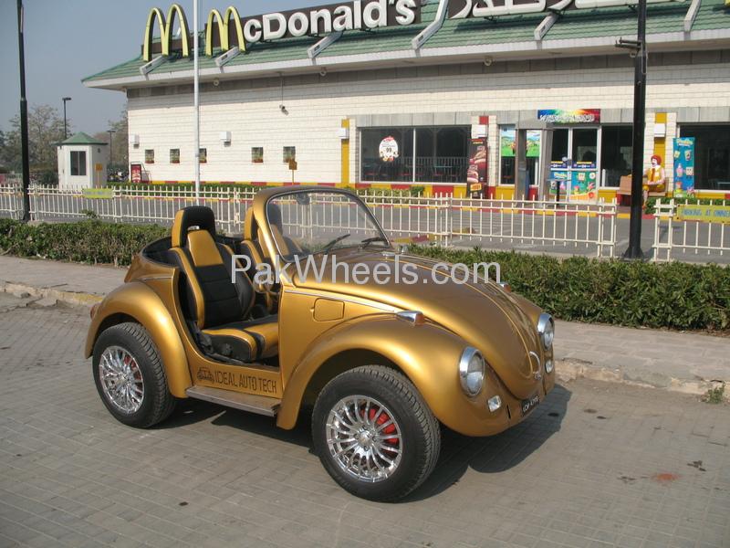 Volkswagen Beetle - 1968 Beeetle Group Image-1