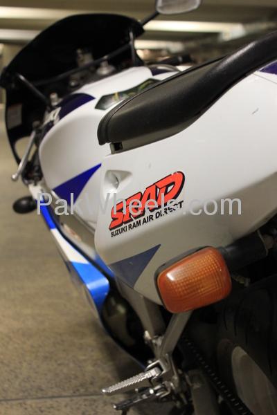 Suzuki GSX-R600 - 1998 SRAD Image-1