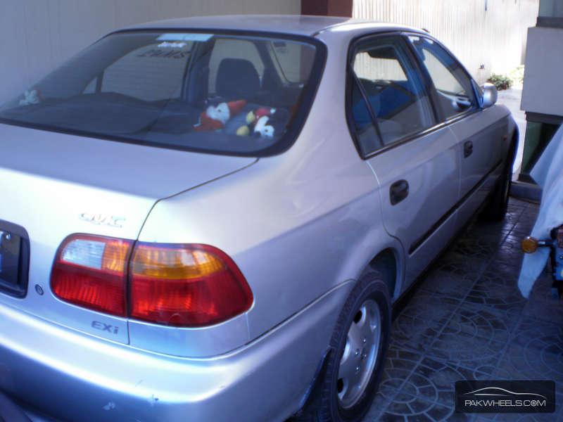 Honda Civic - 2000 C I V I C Image-1