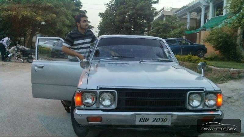 Toyota Corona - 1974 moiz hassan Image-1