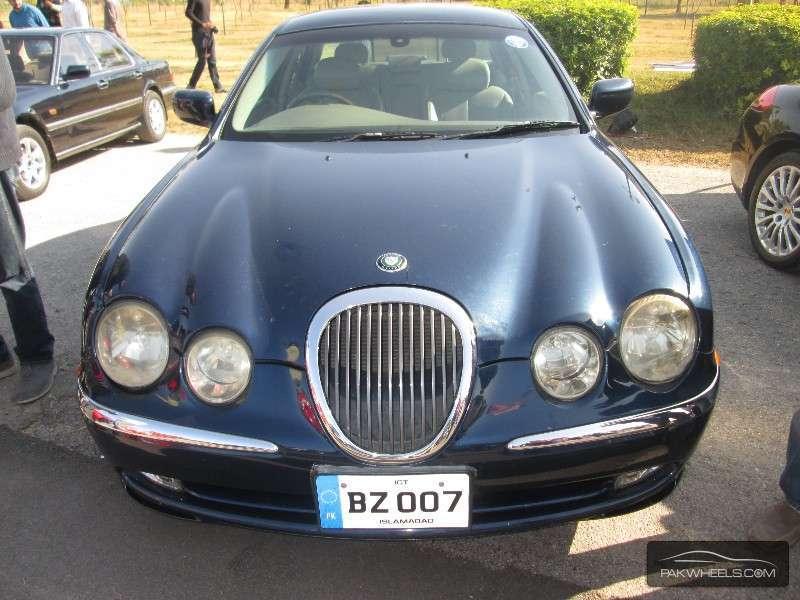 Jaguar S Type - 2002  Image-1