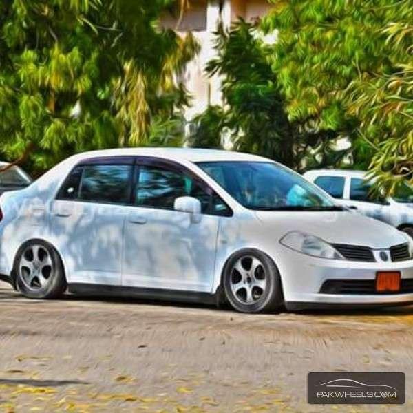 Nissan Tiida - 2007 White Beauty Image-1