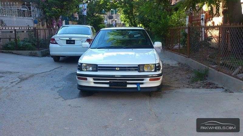 Toyota Corolla - 1988 Ae 92. Image-1