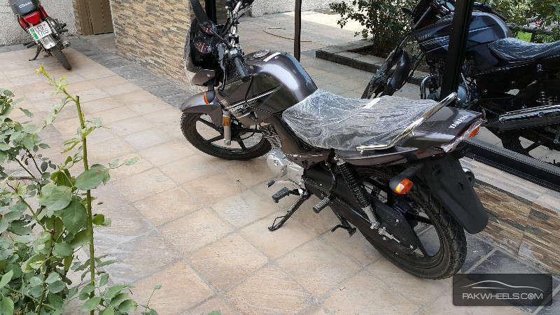 Yamaha YBR 125 - 2015 Fahad Image-1