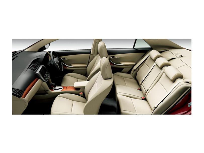 Toyota Premio  Interior