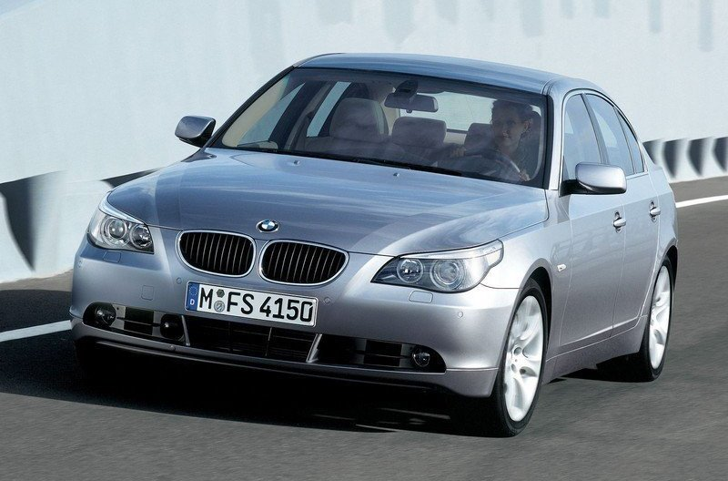 BMW 5 Series 2010 Exterior Front Side View