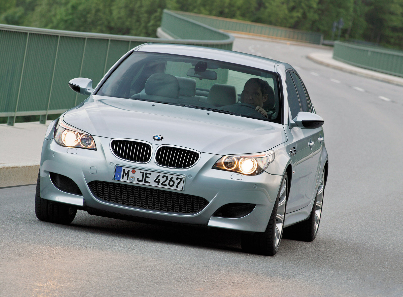BMW 5 Series 2010 Exterior Front End