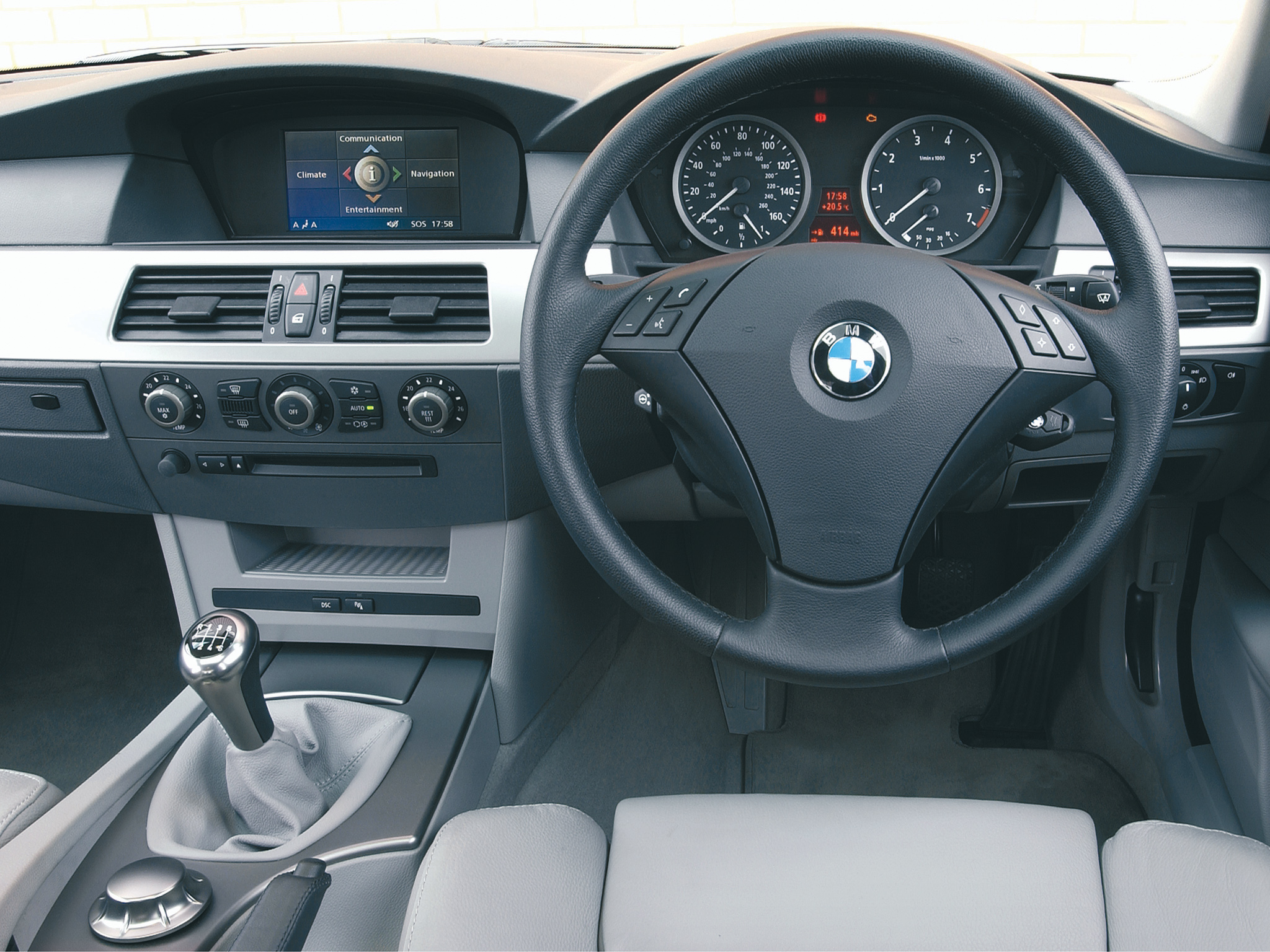 BMW 5 Series 2010 Interior Dashboard