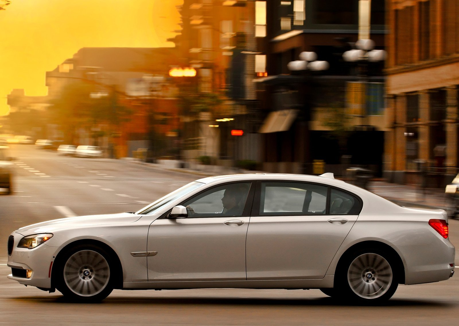 Bmw-7_series_f01_f02_mp2_pic_81189