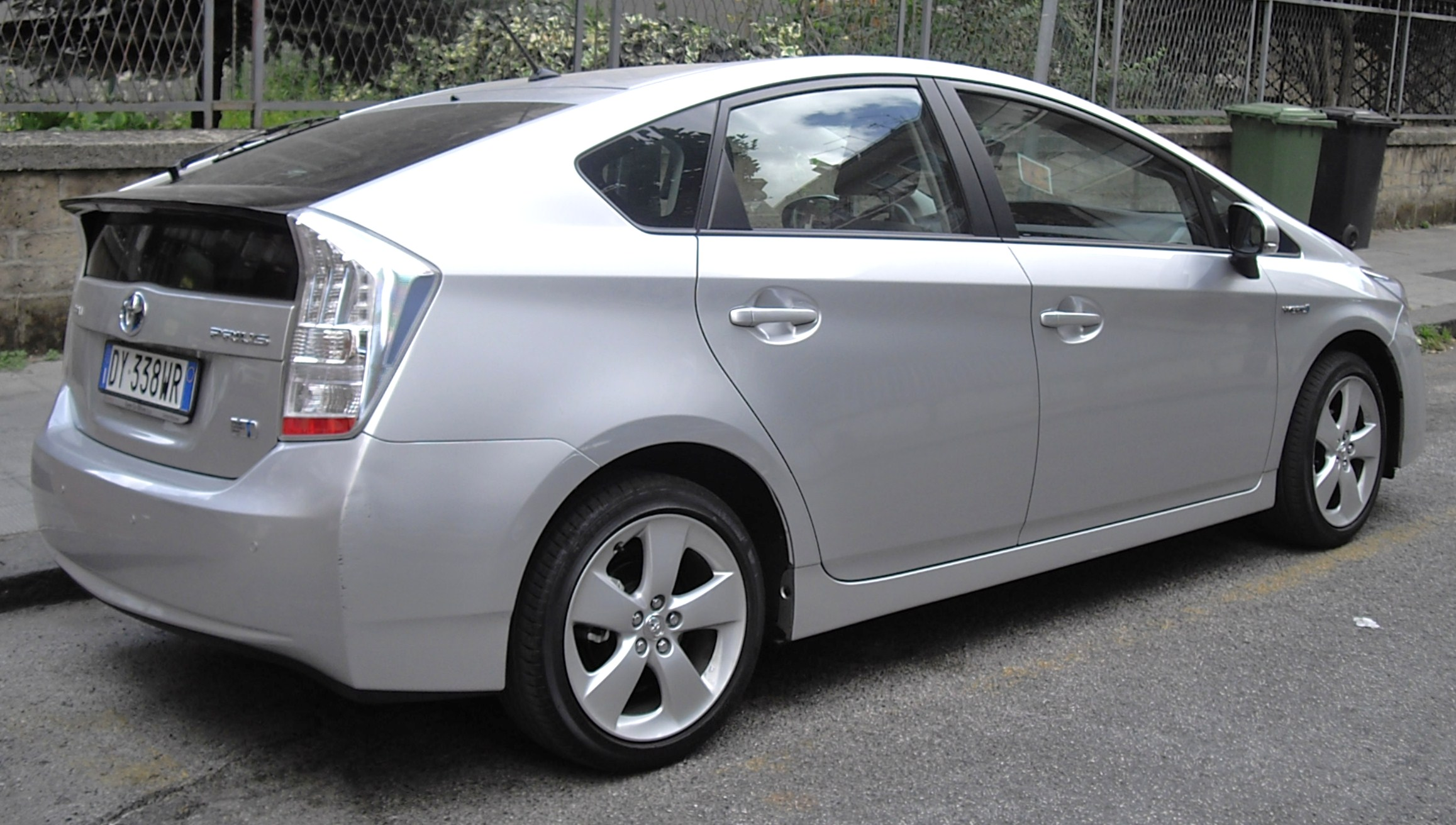 Toyota Prius 2015 Exterior Rear Side View