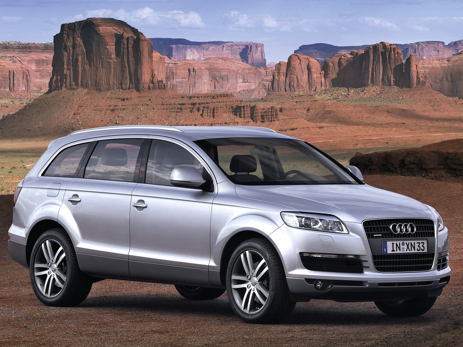 audi q7 3 0 tdi in pakistan q7 audi q7 3 0 tdi price specs features and comparisons pakwheels. Black Bedroom Furniture Sets. Home Design Ideas