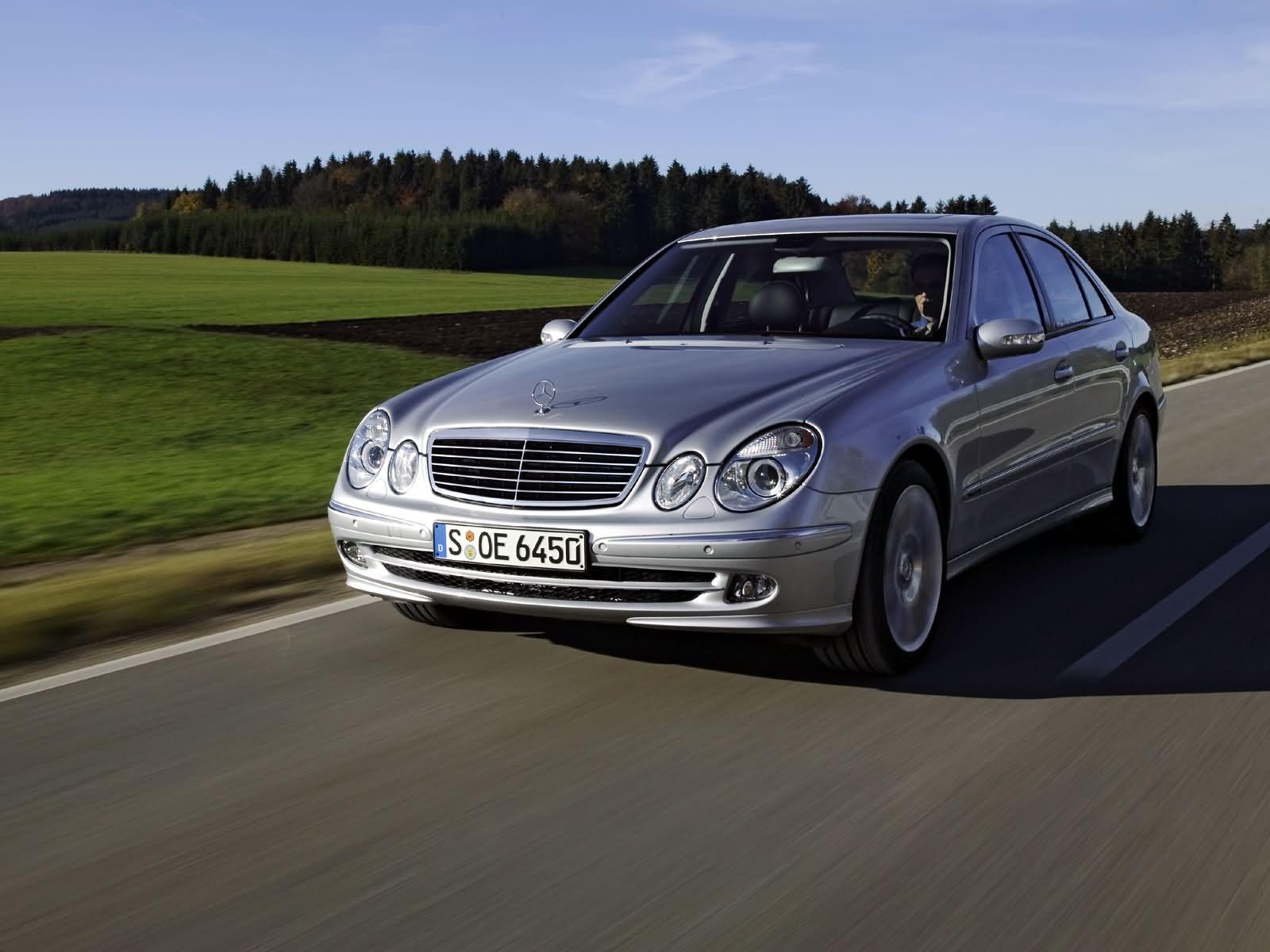 Mercedes benz e class e230 in pakistan e class mercedes for Mercedes benz e class specifications
