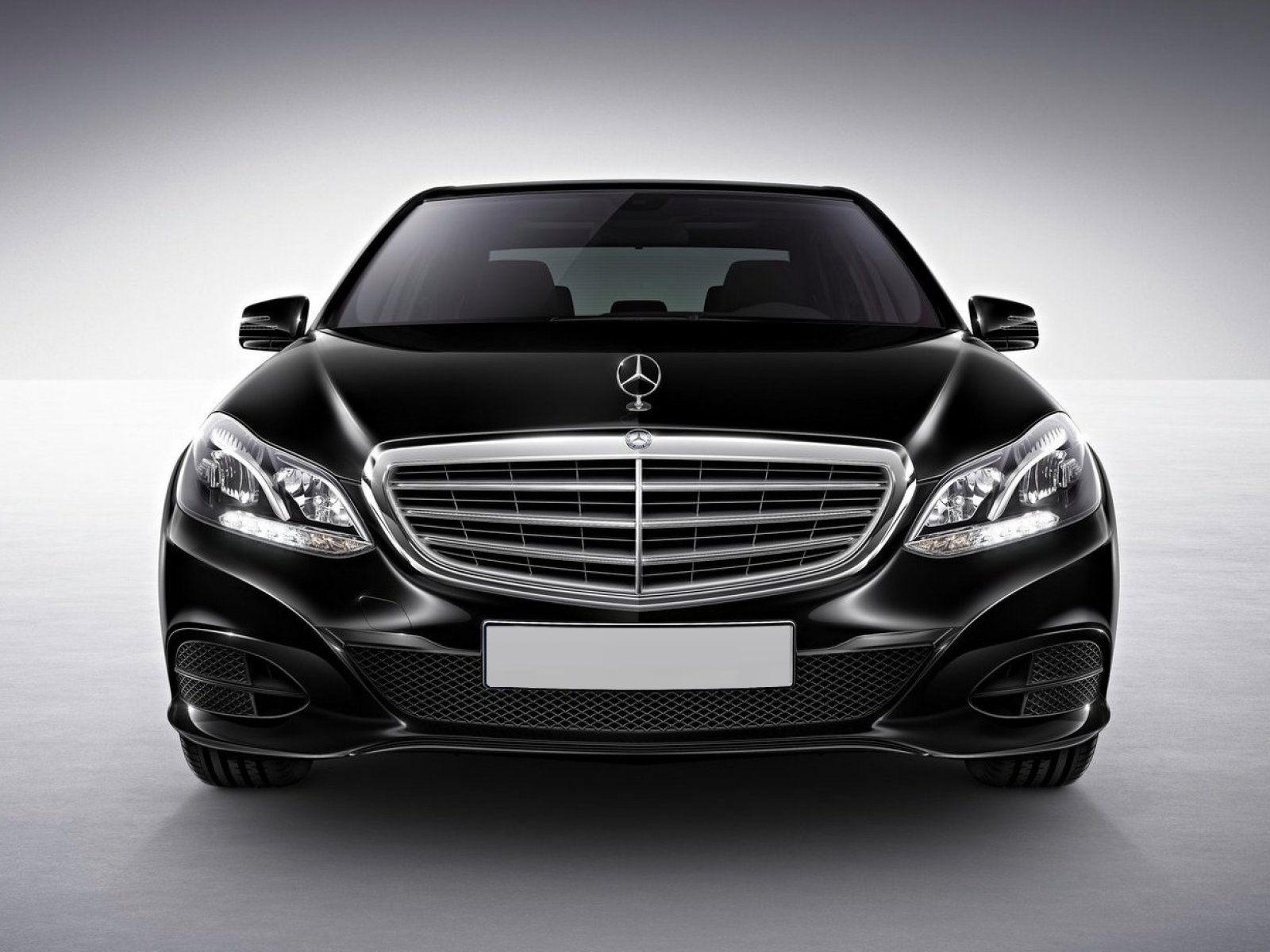 mercedes benz e class 2017 price in pakistan pictures and reviews pakwheels. Black Bedroom Furniture Sets. Home Design Ideas