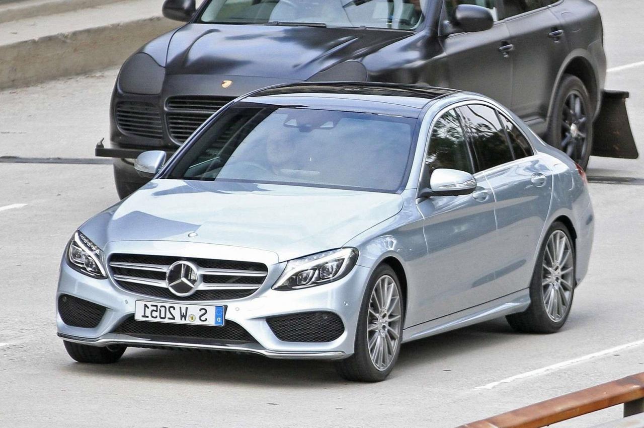 Mercedes benz c class price in pakistan pictures and for Price of mercedes benz c class