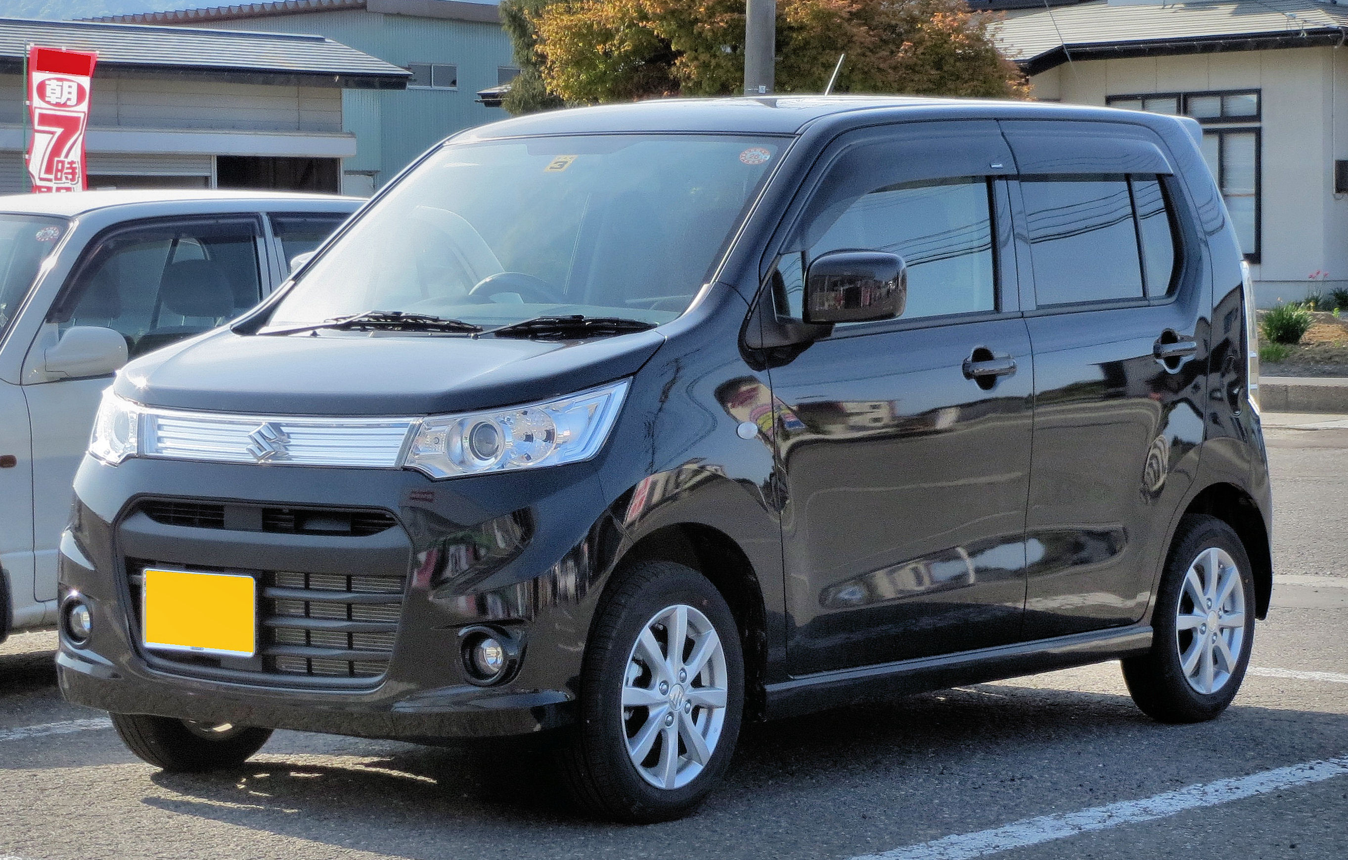 Suzuki Wagon R 2017 Exterior Front Side View