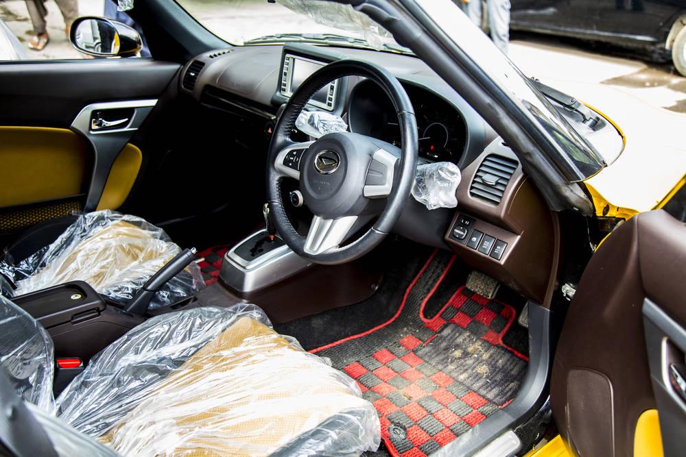Daihatsu Copen  Interior