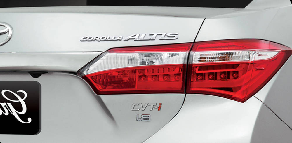 Toyota Corolla 2018 Exterior Rear lights