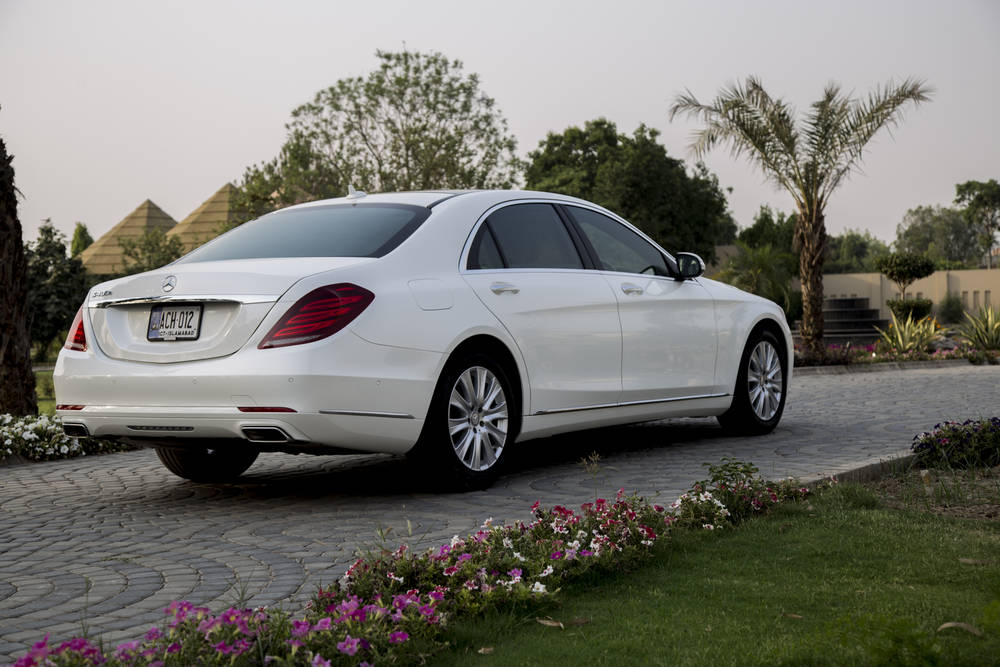 Mercedes benz s class 2018 prices in pakistan pictures for Mercedes benz hybrid cars