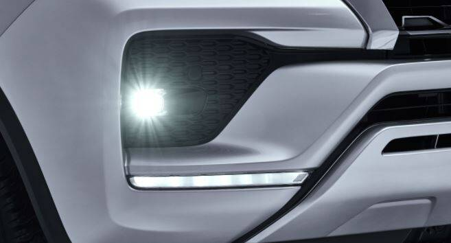 Toyota Fortuner Exterior Fog Lamps & LED DRLs