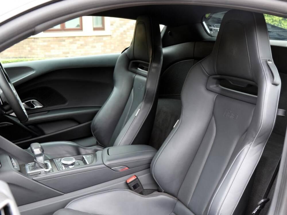 Audi R8 Interior Seats